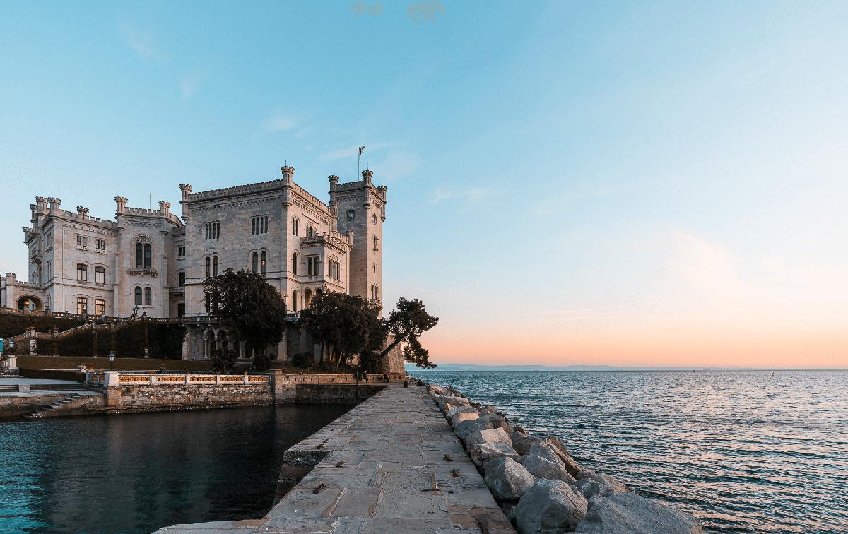 Il Castello di Miramare. Ph. Credit Fabrice Gallina – archivio PromoTurismoFVG