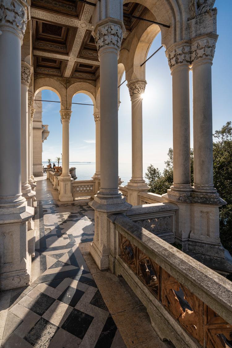 Il colonnato esterno. Ph. Credit Fabrice Gallina – archivio PromoTurismoFVG