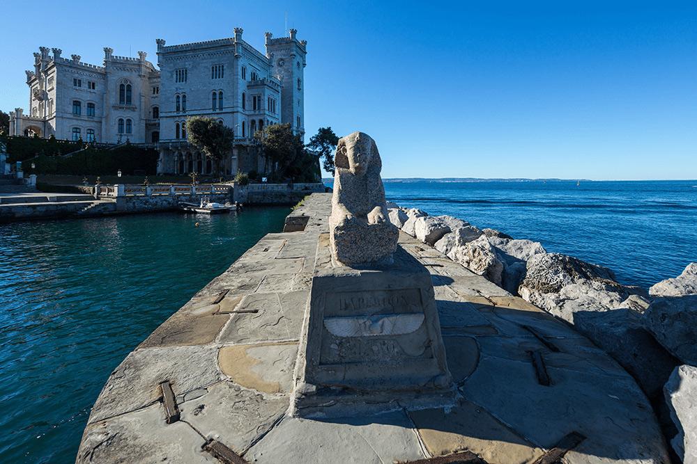 Castello di Miramare, la sfinge. Ph. Credit Massimo Crivellari