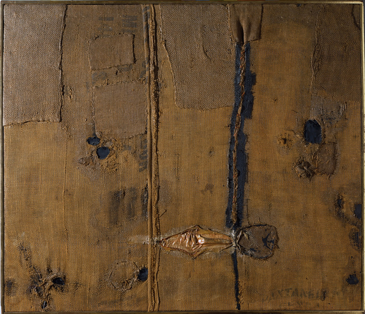 Alberto Burri, Abstraction with brown burlap (Sacco) (1953; olio, vernici, applicazioni in seta su iuta, 85,7 x 100 cm; Torino, GAM - Galleria Civica d'Arte Moderna e Contemporanea)