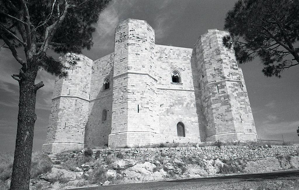 Castel del Monte nel 1965. Foto di Paolo Monti