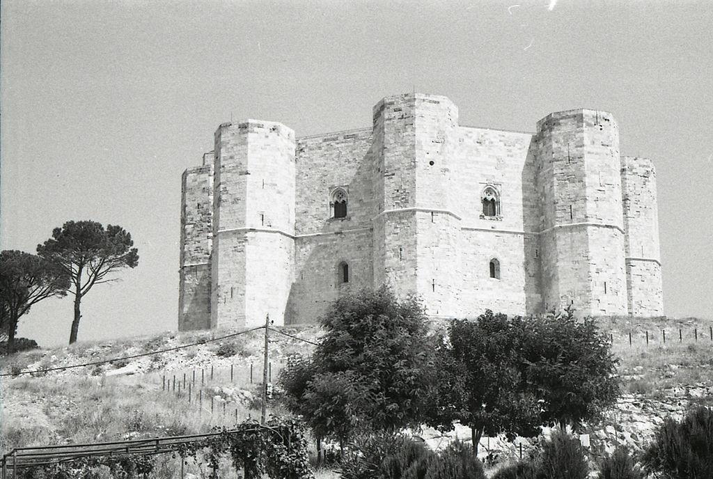 Castel del Monte nel 1970. Foto di Paolo Monti