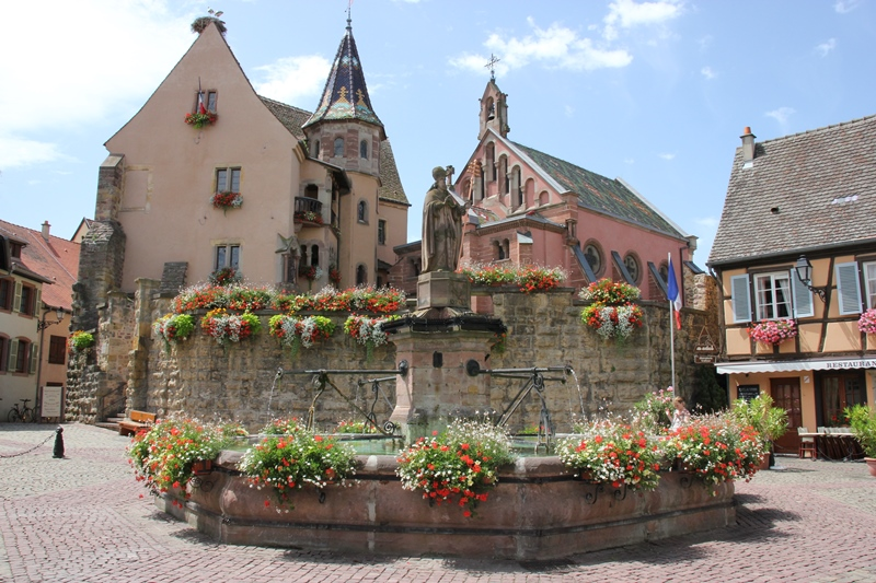I resti del castello di Eguisheim. Ph. Credit Ente del Turismo dell'Alsazia