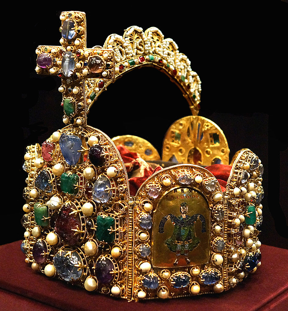Orafo tedesco, Corona del Sacro Romano Impero (II metà del X secolo, croce dei primi anni dell'XI secolo; oro, smalto cloisonné, perle, pietre preziose; Vienna, Kunsthistorisches Museum)