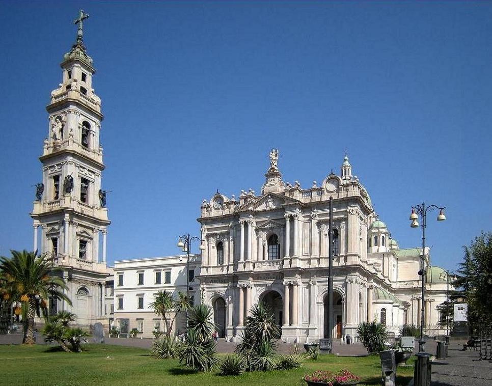 Il Santuario della Madonna del Rosario a Pompei