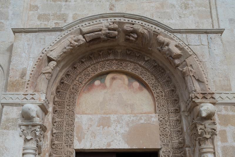 Il portale duecentesco