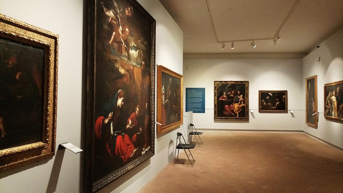 Sala della mostra La luce e i silenzi. Orazio Gentileschi e la pittura caravaggesca nelle Marche del Seicento