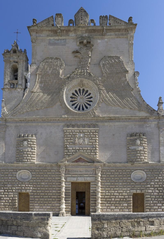 La facciata della chiesa di Santa Maria della Grazia a Gravina in Puglia