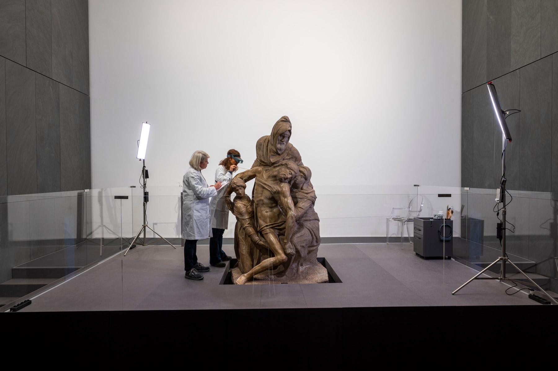 Il cantiere di restauro della Pietà Bandini. Ph. Claudio Giovannini