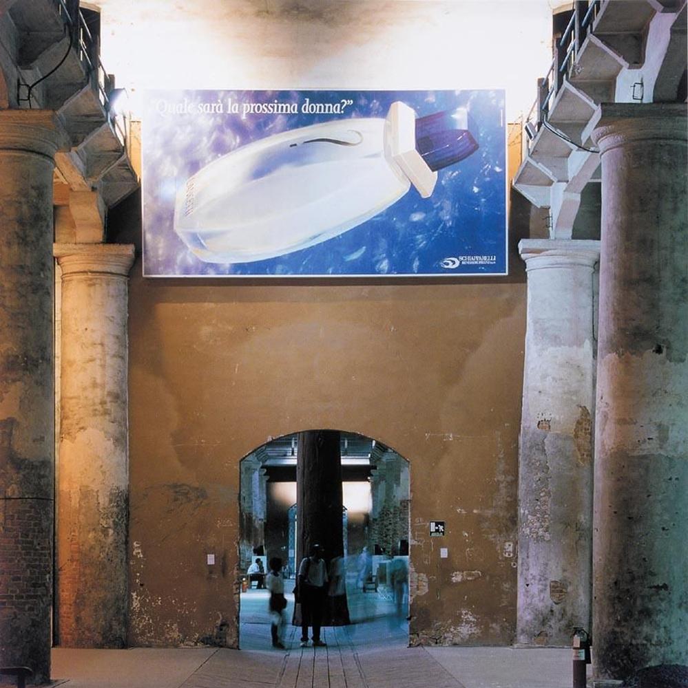Maurizio Cattelan affitta il suo spazio alla Biennale di Venezia del 1993