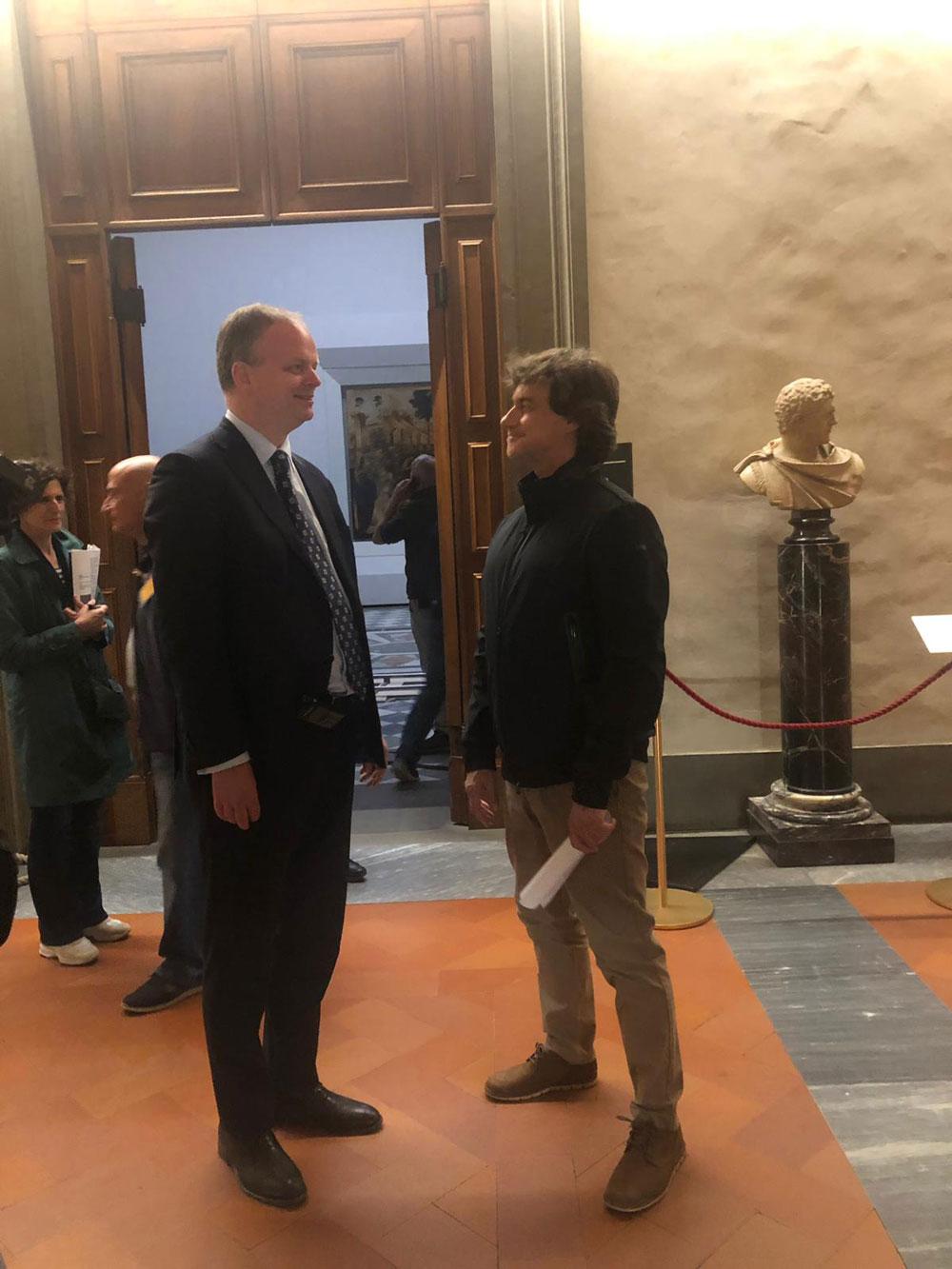Alberto Angela dedica un'intera puntata di Ulisse a Leonardo da Vinci. Tra i grandi ospiti, Gigi Proietti, Giorgia e Roberto Benigni