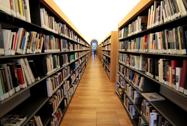 Lodi, chiude l'Archivio Storico. L'attuale sede mette a rischio i preziosi documenti antichi