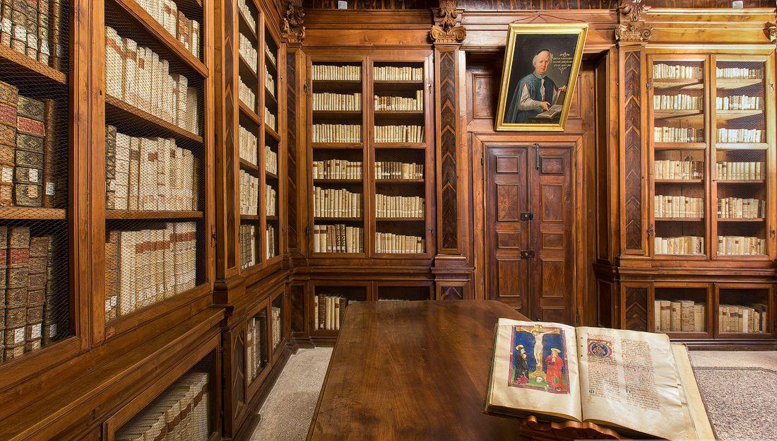 San Daniele Friuli, il sindaco vuole dividere la Biblioteca Guarneriana. Ma interessa solo a 1 cittadino su 3