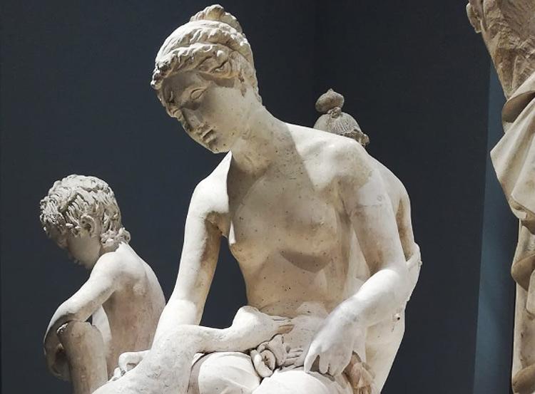 Carrara, l'Accademia di Belle Arti restaura i gessi dell'Ottocento davanti al pubblico