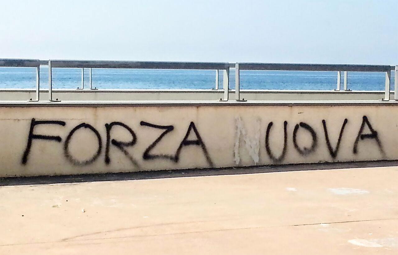 """A Bologna, il progetto """"Forza Uova"""" porta in mostra i """"turbo film"""" di Alterazioni Video"""