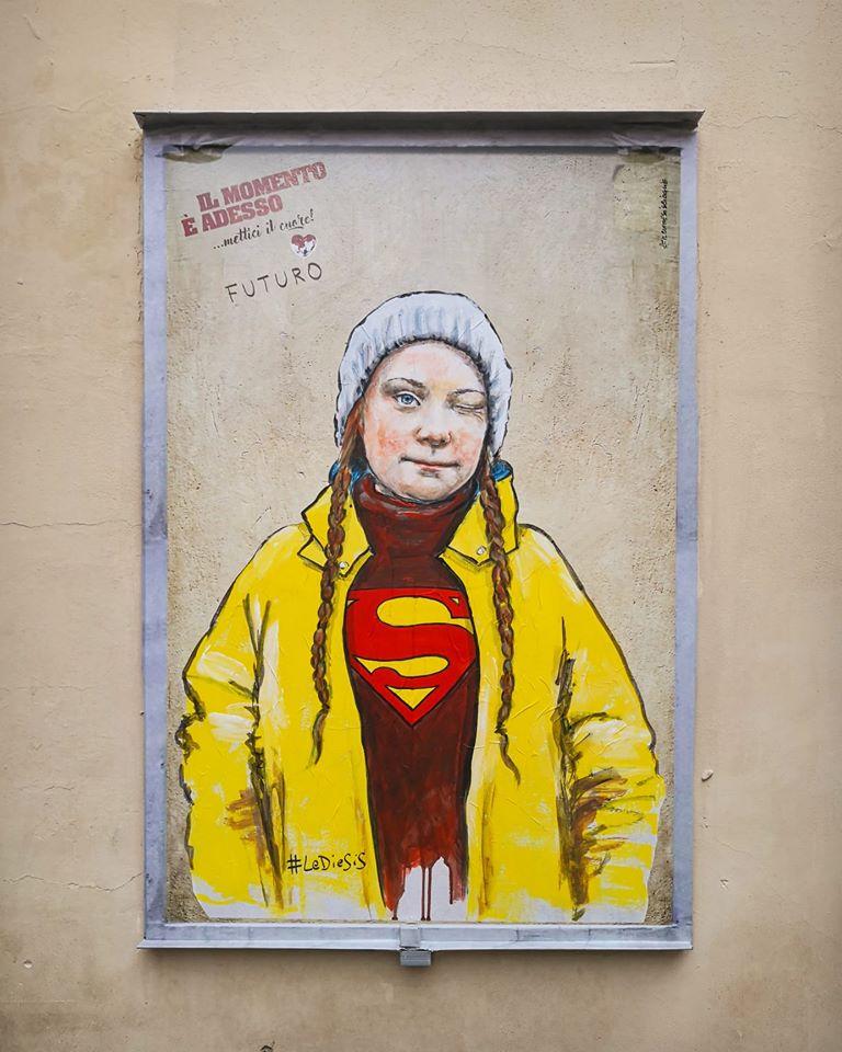 """Da Martin Luther King a Greta Thunberg, la street art porta i """"supereroi"""" della solidarietà sulle strade di Firenze"""