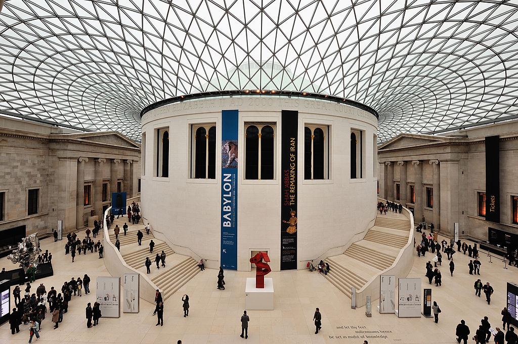 """Accuse al British Museum: """"sulle restituzioni di opere spoliate dai paesi d'origine, nasconde la testa sotto la sabbia"""""""