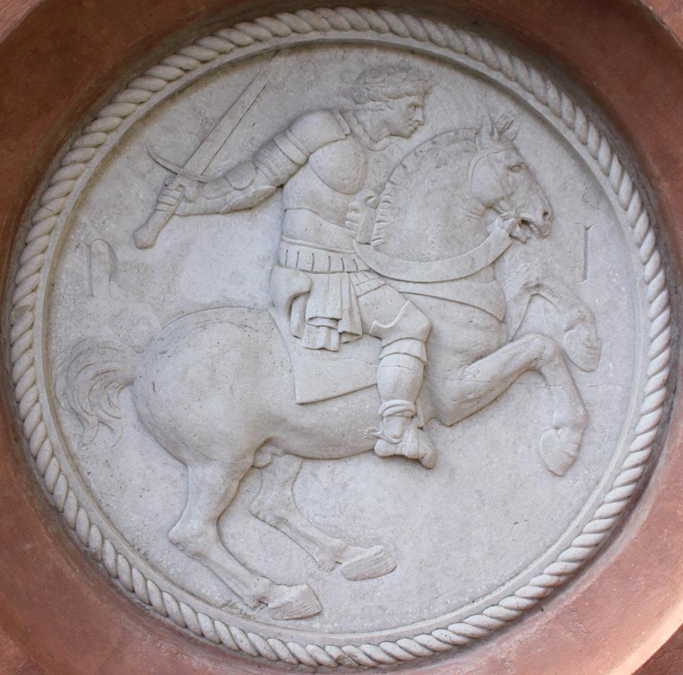 Bologna, un tondo con ritratto equestre attribuito a Jacopo della Quercia