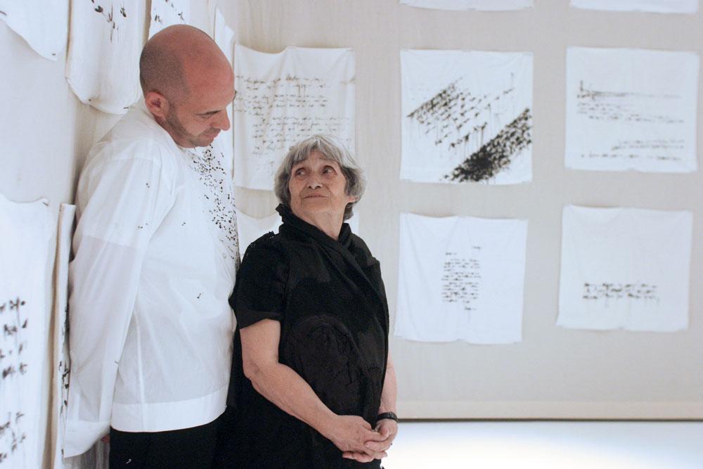 Matera accoglie Trama doppia, la mostra con opere di Maria Lai e Antonio Marras