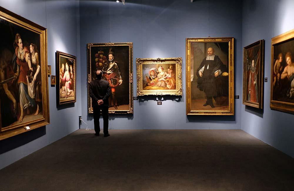 Modena torna capitale mondiale dell'arte antica per una settimana: via all'edizione XXX di Modenantiquaria