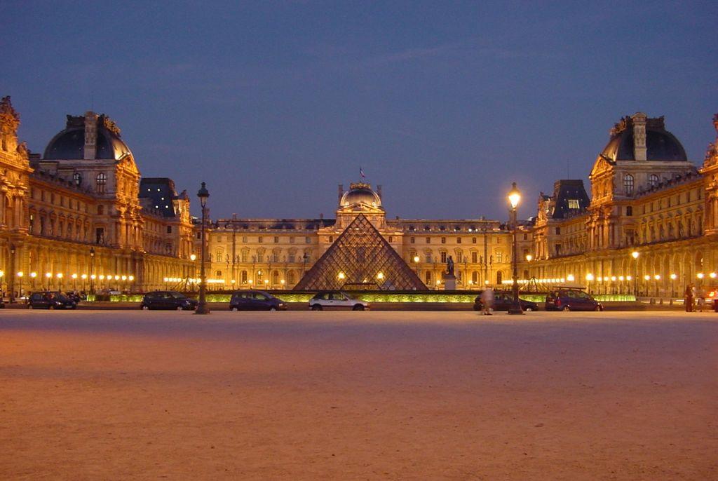 Troppo affollamento e sicurezza a rischio, il Louvre chiude per uno sciopero dei dipendenti