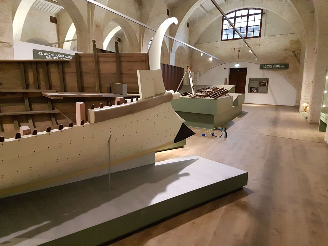 Pisa, apre finalmente il grande Museo delle Navi Antiche agli arsenali medicei