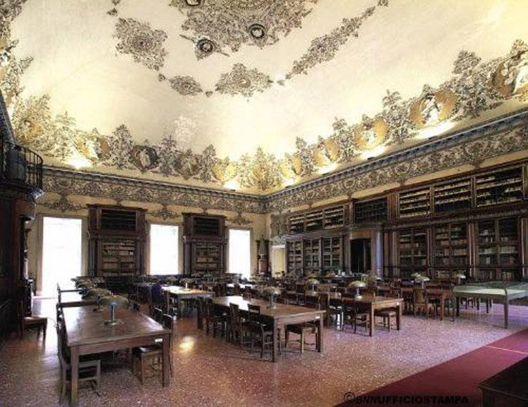 Apertura straordinaria della Biblioteca Nazionale di Napoli