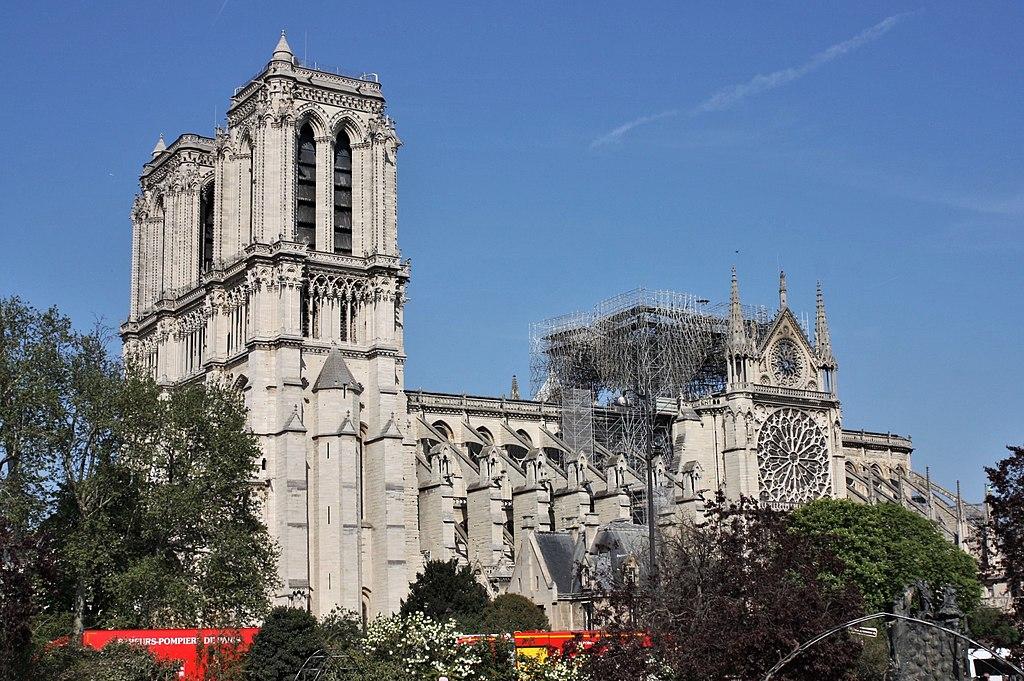 Notre-Dame è instabile e potrebbe collassare: urge avviare lavori per rafforzare la struttura