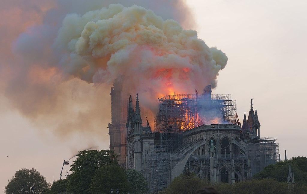 A Notre-Dame è arrivato solo il 9% delle donazioni promesse: per ora raccolti 80 milioni