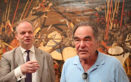 Il regista Oliver Stone in visita agli Uffizi. Eike Schmidt gli ha fatto da guida