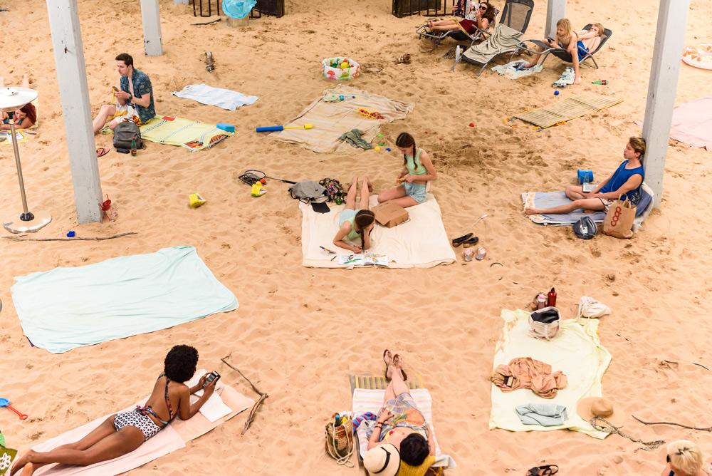 Biennale di Venezia, Leone d'Oro alla finta spiaggia della Lituania. Miglior artista Arthur Jafa