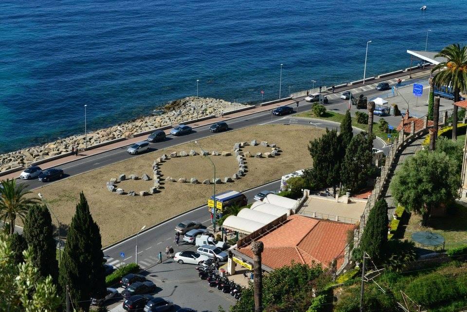 A Ventimiglia un'opera di Pistoletto potrebbe essere rimossa per lasciare posto a un parcheggio