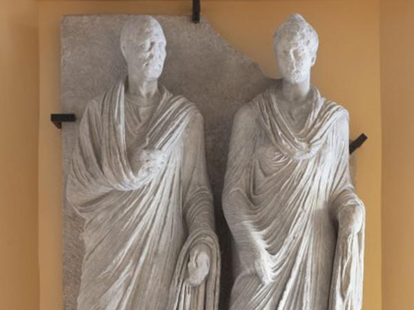 Un fornaio dell'antica Roma in mostra: il rilievo di Marco Virgilio Eurisace esposto dopo il restauro
