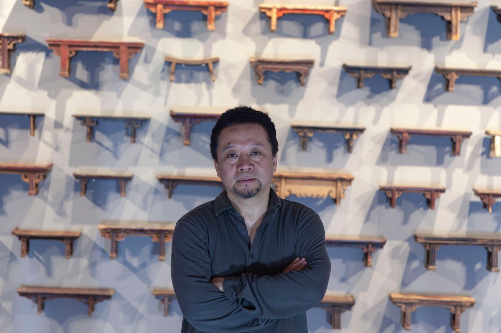 Per la prima volta Roma una personale di Shi Liang, l'alchimista di materie naturali