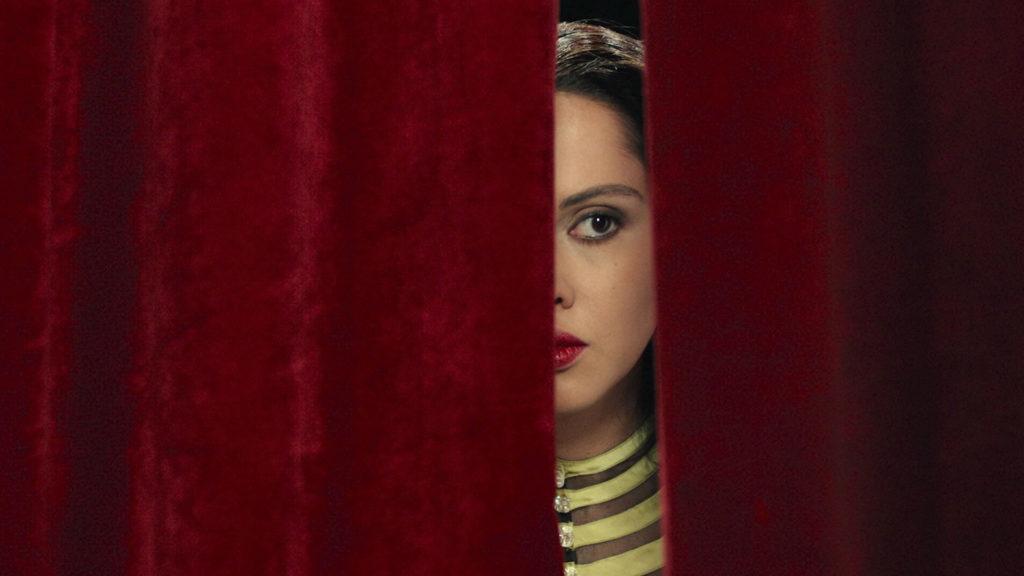 """Shirin Neshat in mostra a Matera per presentare due video tratti dal suo lungometraggio """"Looking for Oum Kulthum"""""""