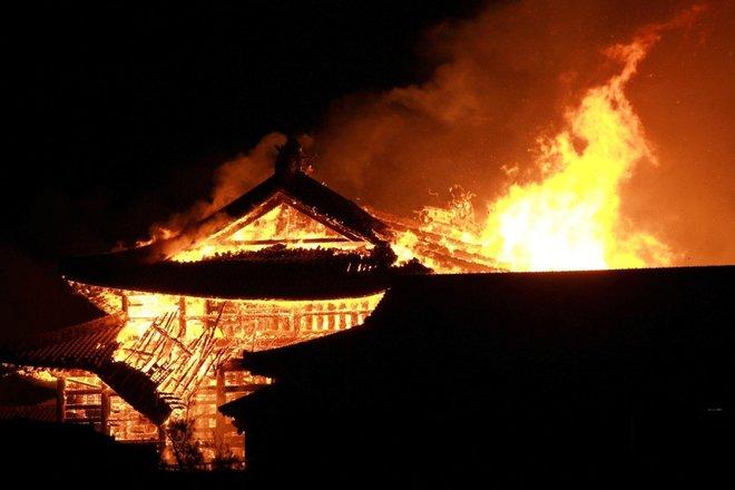 Giappone: incendio distrugge il castello Shuri di Okinawa, Patrimonio Unesco dell'umanità
