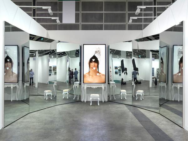 Milano, Sophia Al-Maria e altre artiste in mostra alla Fondazione Arnaldo Pomodoro