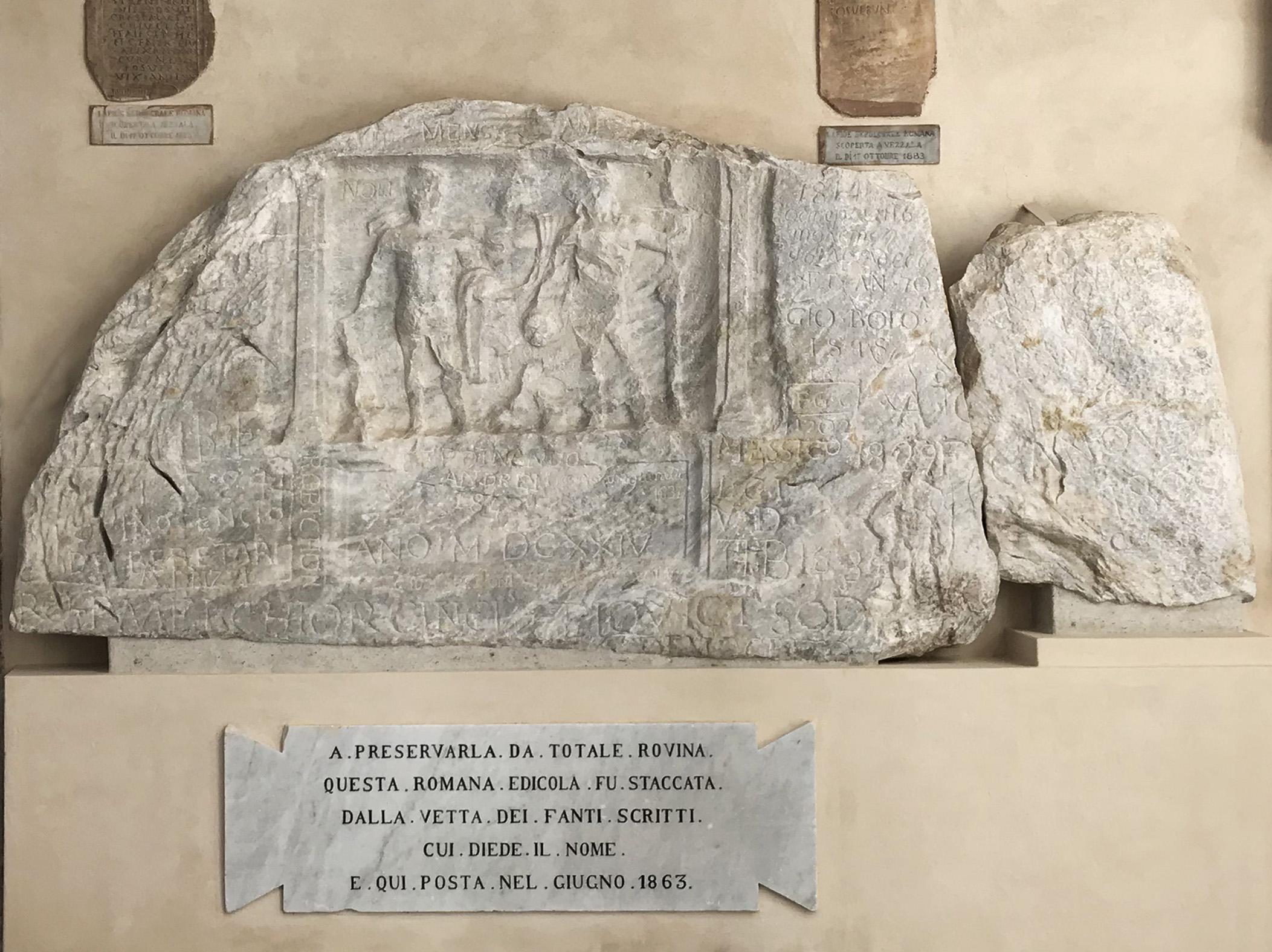 Carrara, termina il restauro dell'Edicola di Fantiscritti, bassorilievo del III secolo simbolo della città