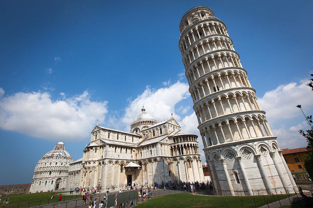 Adesso sappiamo per certo chi fu l'architetto che ideò la Torre di Pisa (e Vasari aveva ragione)