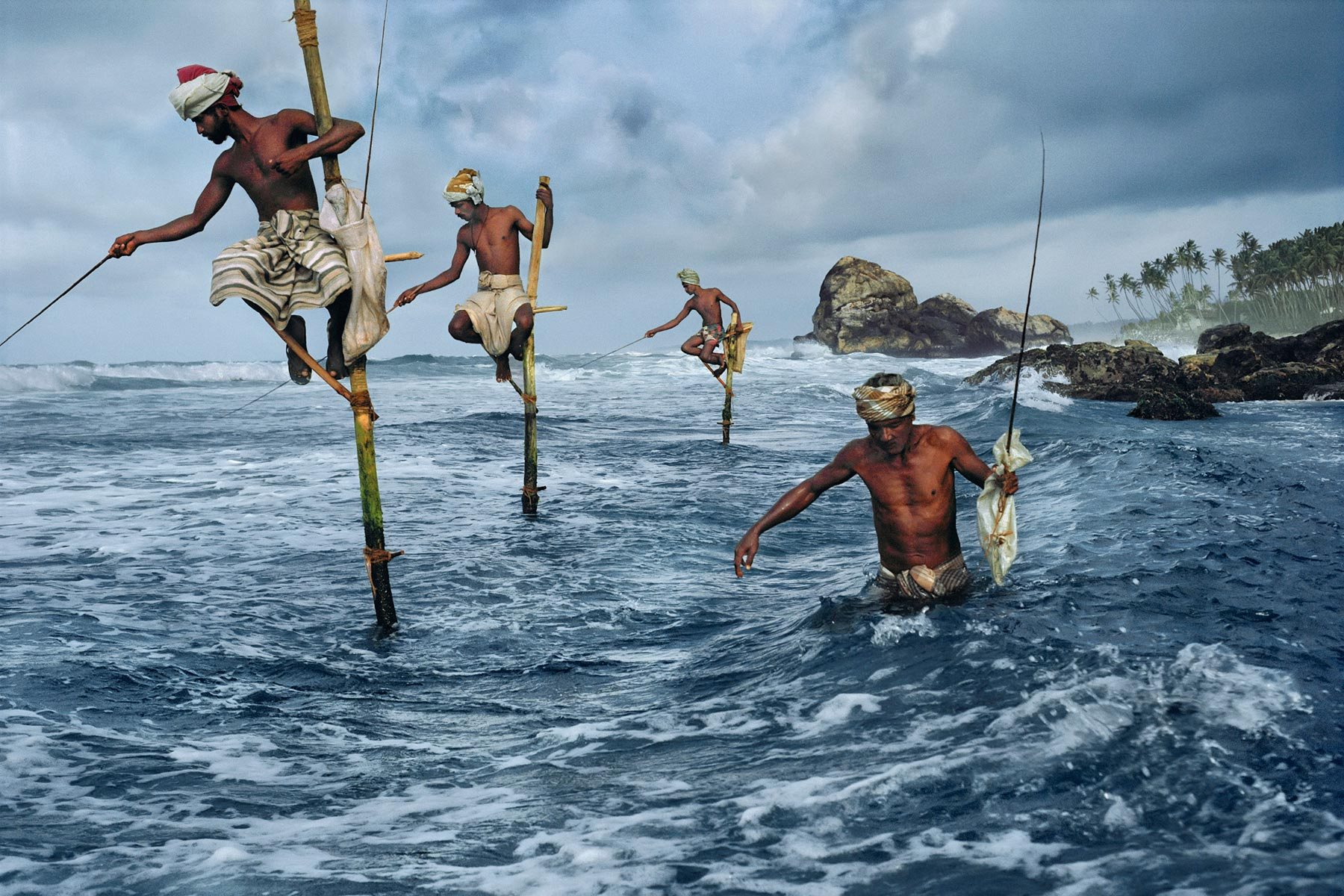 Steve McCurry, Weligama, Sri Lanka, 1995. © Steve McCurry