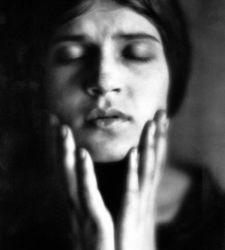 La vita, la fotografia e l'attivismo di Tina Modotti in mostra a Jesi