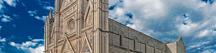 Il caldo danneggia anche i monumenti. Crolla frammento di guglia del Duomo di Orvieto per le alte temperature