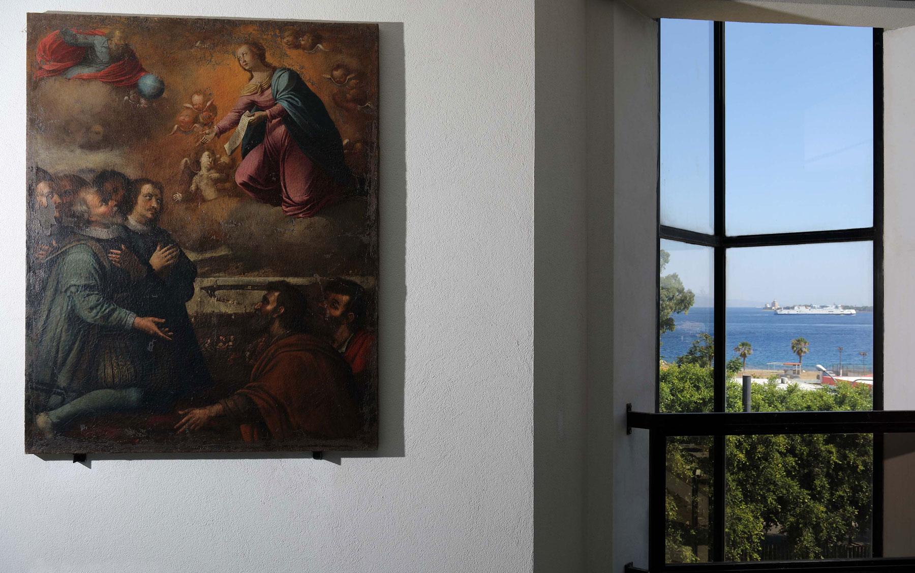 MuMe 22A, sala del museo e sullo sfondo lo Stretto di Messina