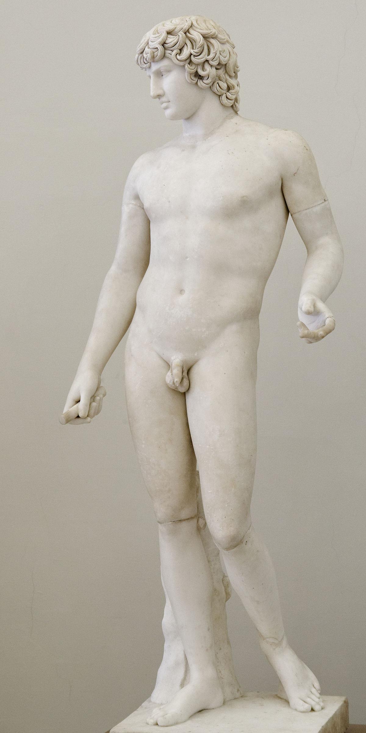 Arte romana, Antinoo (II secolo d.C.; marmo, altezza 200 cm; Napoli, Museo Archeologico Nazionale)
