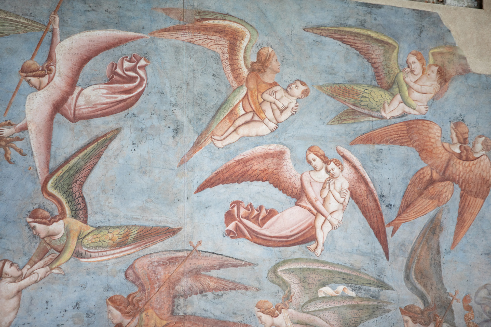 Bonamico Buffalmacco, Trionfo della Morte, dettaglio dei demoni e degli angeli che si disputano le anime