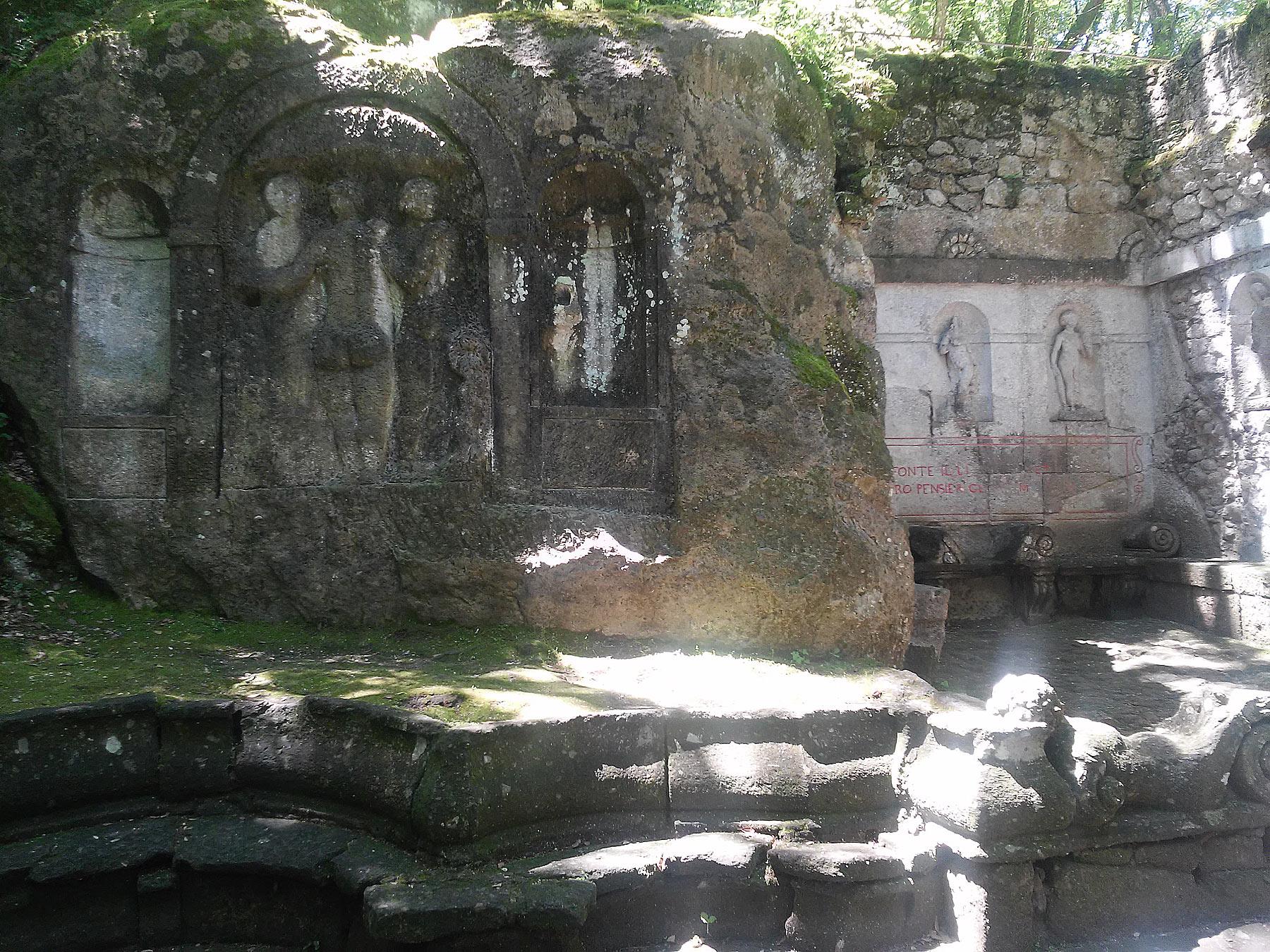 La fontana dei Delfini