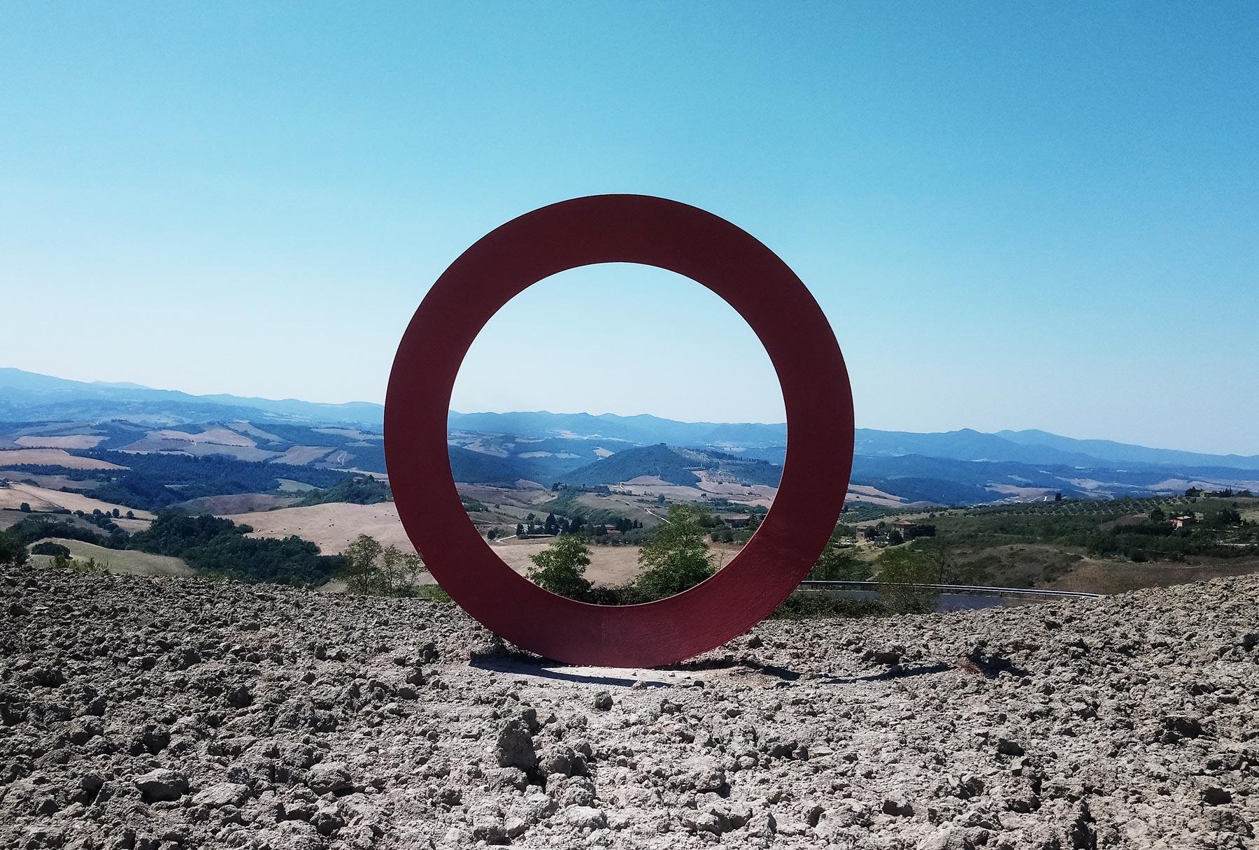 Le sculture di Mauro Staccioli a Volterra: esperienze che diventano <b>arte</b> nel paesaggio