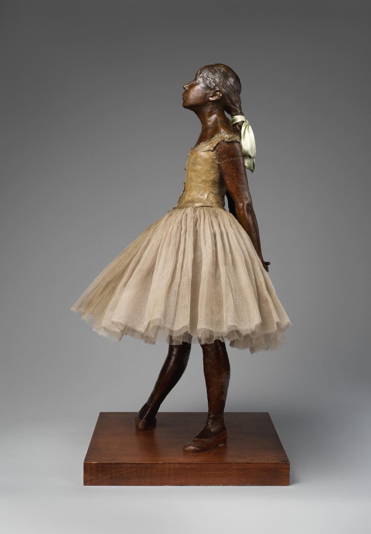Edgar Degas, Adrien-Aurélien Hébrard, Piccola ballerina di quattordici anni (1922; bronzo, tarlatana, raso di seta, legno, 97,8 x 43,8 x 36,5 cm; New York, Metropolitan Museum)