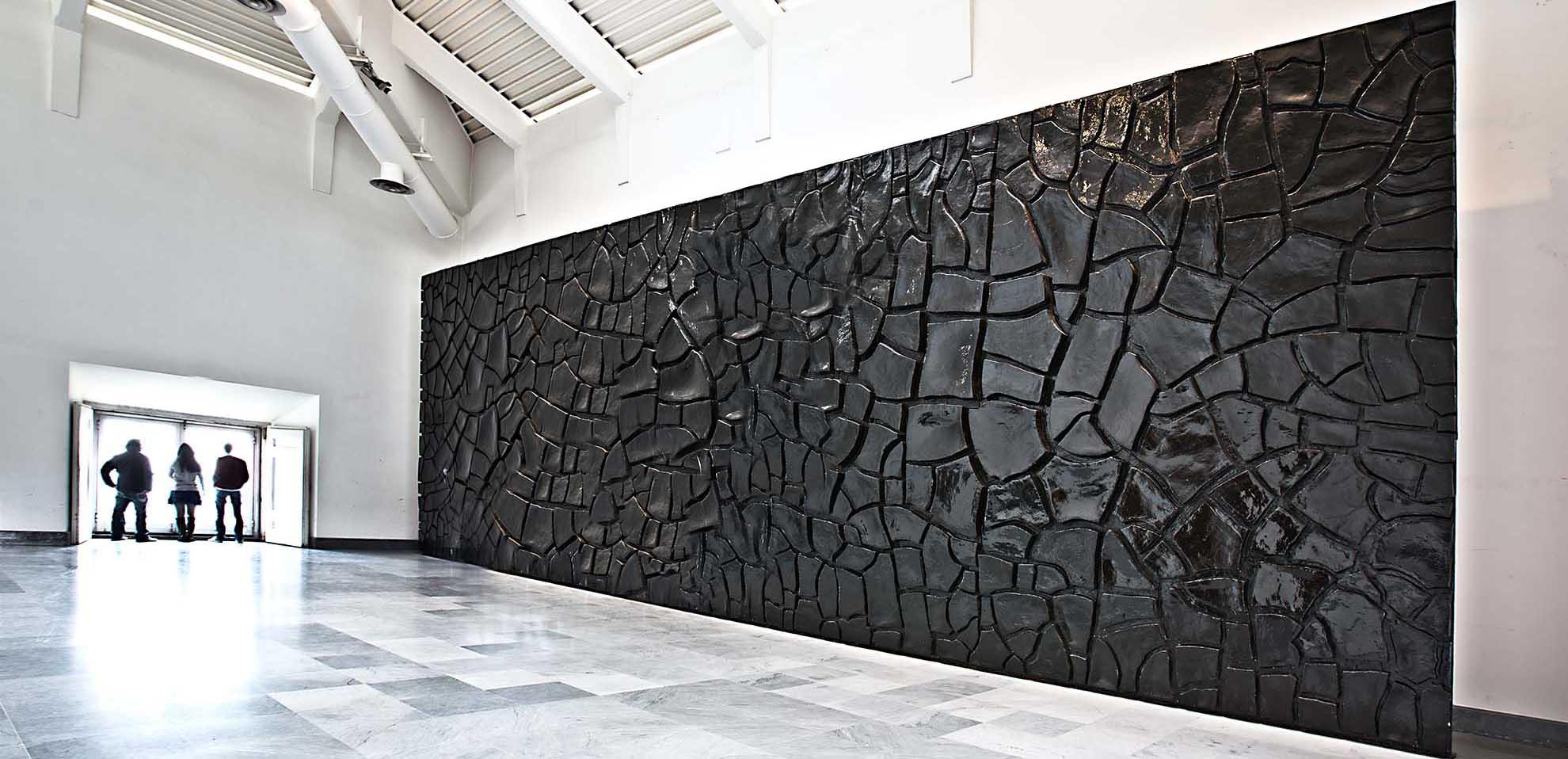 Alberto Burri, Grande cretto (1978; Napoli, Museo Nazionale di Capodimonte)