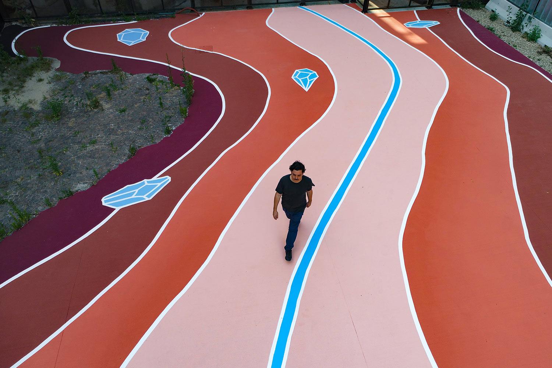 Una Toscana stilizzata da 350 metri quadri: è la nuova opera di Andreco, a Firenze